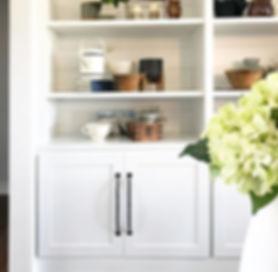 styled shelves, shelf styling, greenery, shelf decor, wrought iron handle, hydrangeas, built in bookcase, built in shelving, vignette, shelf vingette, styling, grouping, s+e designs