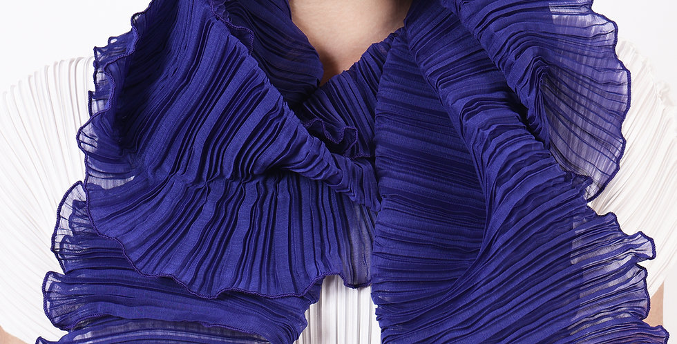 Classic Pleated Scarf. Autumn 2019