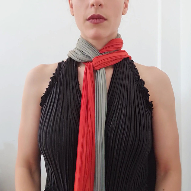 How to wear your Line scarf-necklace - 2 colours combination