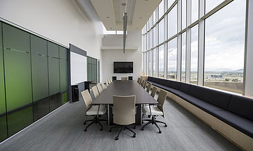 Moder and slik conference room with a screen and beautiful perspective