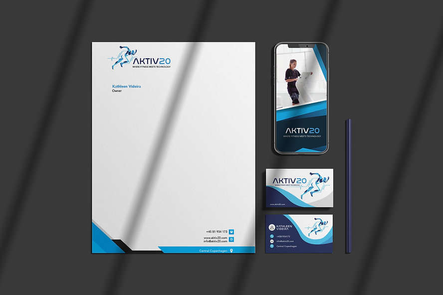 Stationery Mockup by graphiccrew-min.jpg