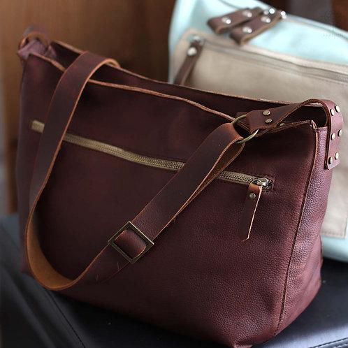 Marley. Rustic brown leather crossbody bag