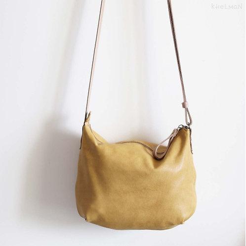 Borla crowwbody bag has laconic design and soft shape