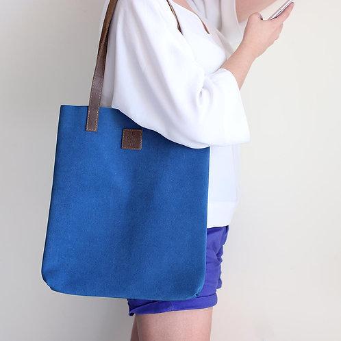 Blue waved leather shopper bag