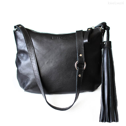 Borla bag has an optional removable tassel