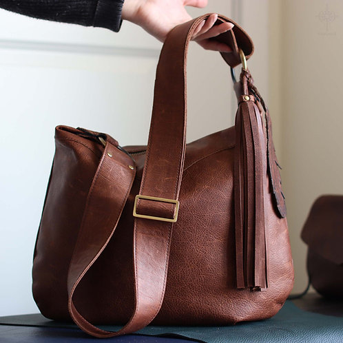 Demilune. Crossbody hobo bag