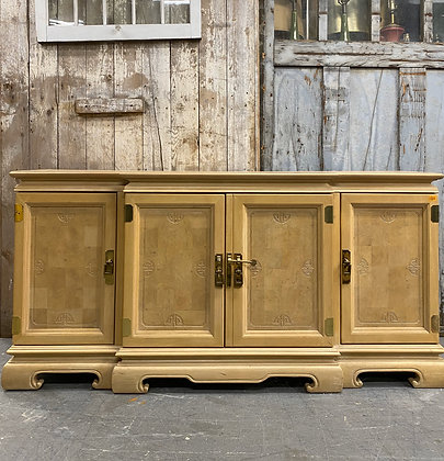 {CUSTOMIZE} Chinioserie Style sideboard