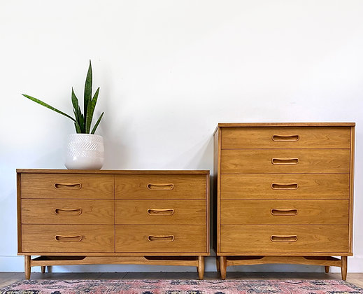  BUY NOW  Mid Century Modern Dresser Set