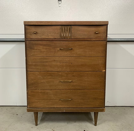 "{CUSTOMIZE} Bassett Dresser - 32"" L x 18"" D x 43-1/2"" T"