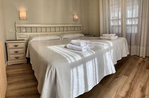 habitación villafranca del bierzo dormir hostal albergue peregrino