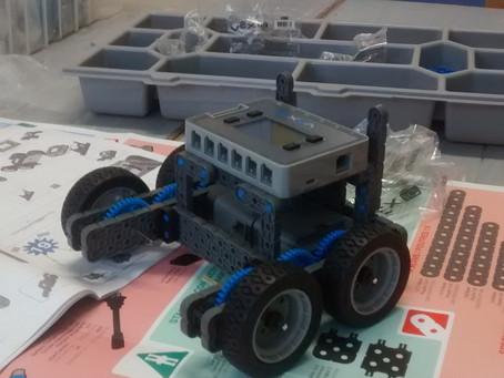 VEX ROBOTICS: Our Robot Takes Shape