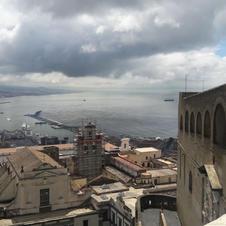 Puerto de Nápoles desde el Sant' Elmo.jp