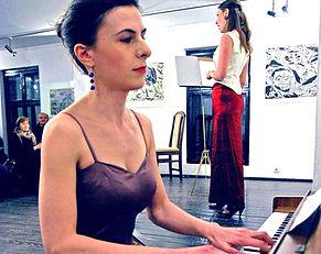 anita klavier_edited_edited.jpg