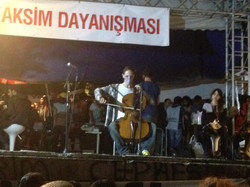 Taksim Sahnesi Performansları