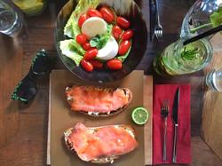 Mozarella Salata & Somon Flat Bread