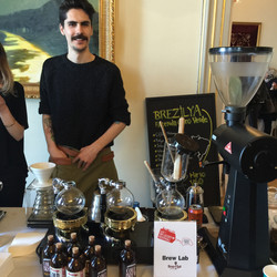 Brew Lab ve Kahve Kokan Adam