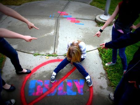 Όταν το παιδί δέχεται βία στο σχολείο: Πώς να το βοηθήσουμε να το αντιμετωπίσει.
