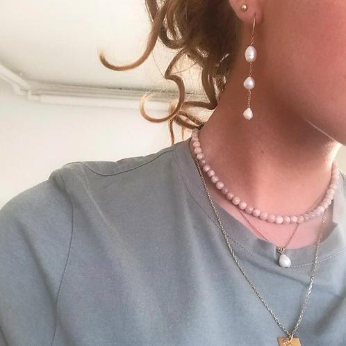 Perlehalskæde, beige nuancer
