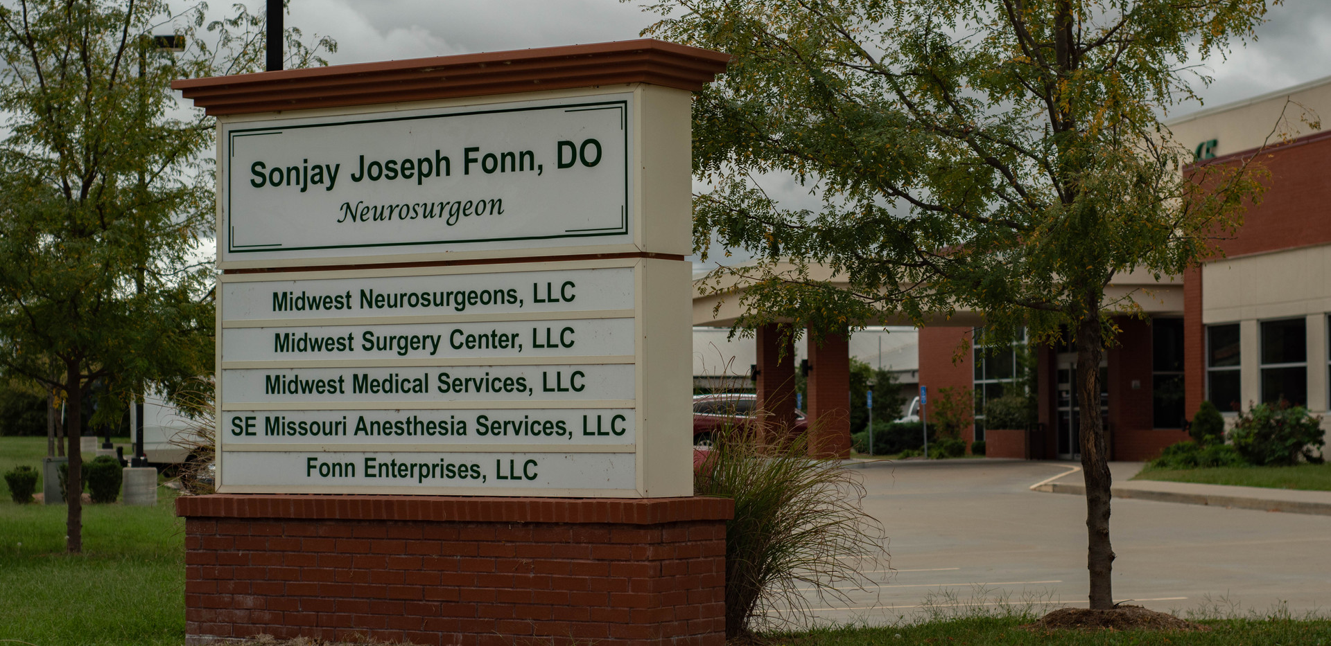 Midwest Neurosurgeons and Surgery Center