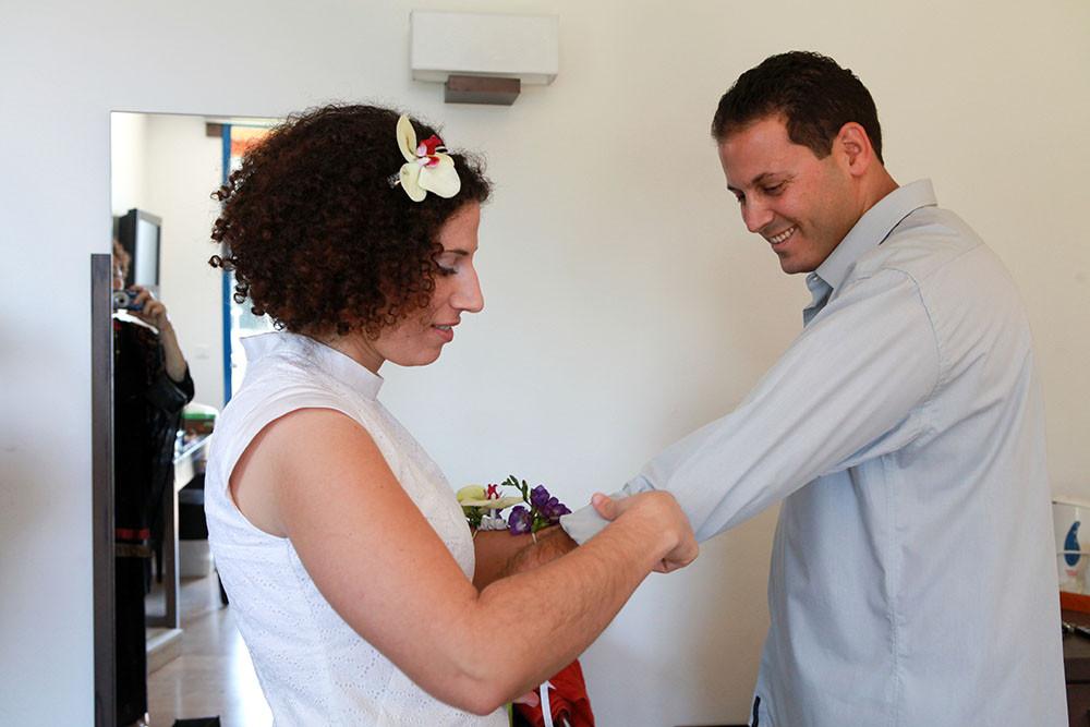 החתן הגיע וצריך ליפייף גם אותו