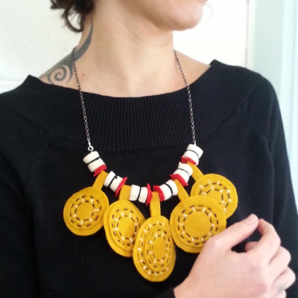 5 תכשיט לבד felt necklace