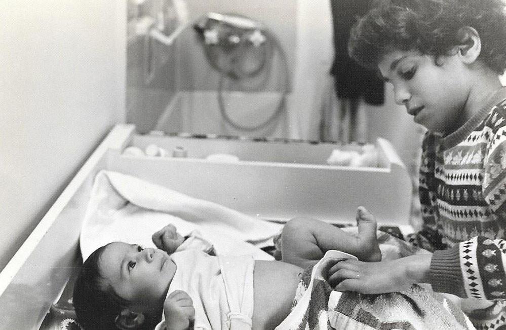 אני וענבל יחד כשהייתי תינוקת