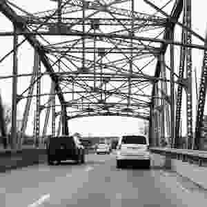 תמונות של זיכרון. מכוניות של גשר ברזל.