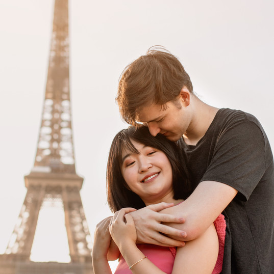 Eiffel Tower Couple