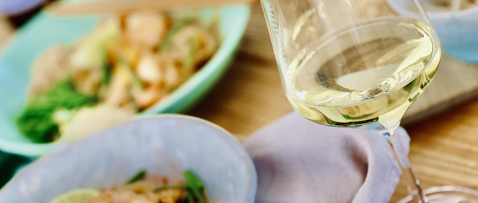 Wine & Dine (Pad Thai Sparpackung mit Riesling Alte Reben)