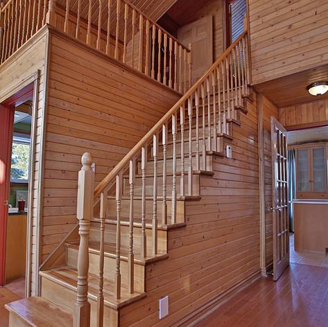 Escalier vers 2ième étage