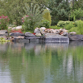 Paysagement lac artificiel résidentiel