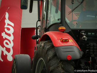 Zetor Roadshow am Traktorpullin in Dürnten