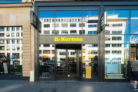 themoldernway_drmartens_store_frankfurt-