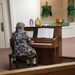 +MARY AT PIANO 10-6-19square
