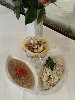 Oliwje, Meeresfrüchte, Sülze mit Hähnchenfleisch