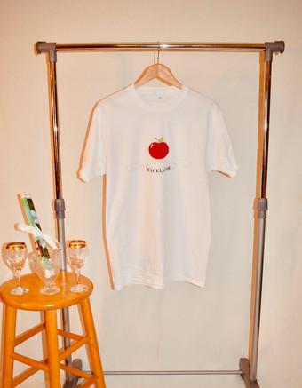 white apple.jpeg