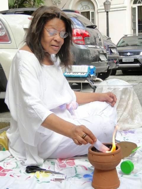 Vera em ritual de cura e nova vid