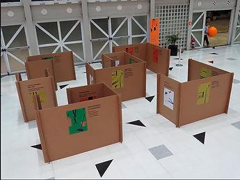 casa e informação na instalação performativa