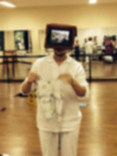 Marcelo Asth exibe imagens de seus avós em uma máscara-Ipad