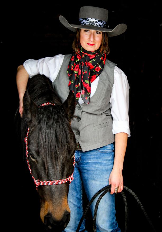 Libby Humeniuk artist profile.jpg