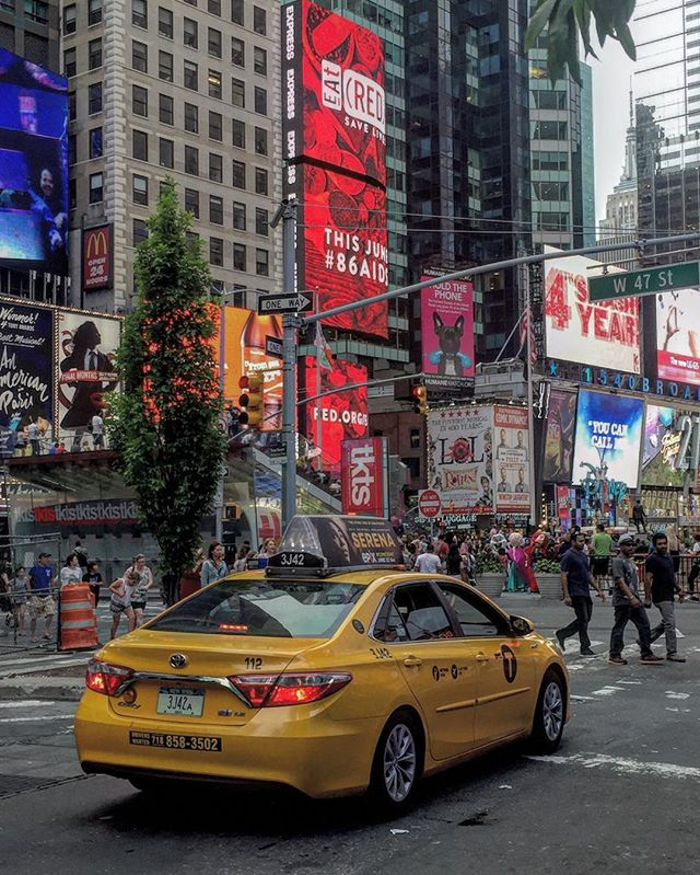 Yellow #nyc #timessquare #iphoneonly #iphonephotography #iphonography #newyork