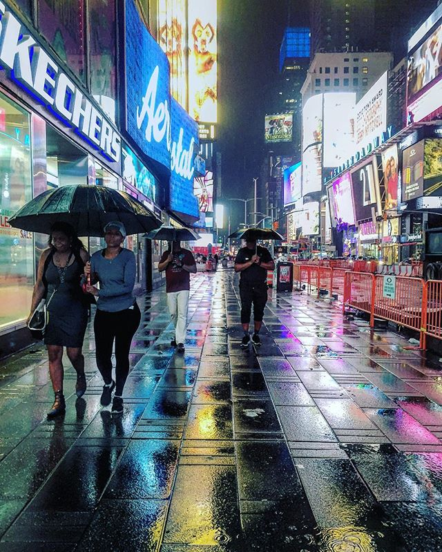 The End of Day #timessquare #newyork #iphonevideo #iphonography