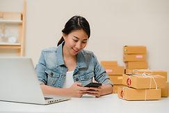 beautiful-smart-asian-young-entrepreneur