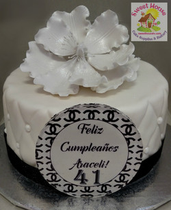 Black & White Chanel Cake w/ isomalt