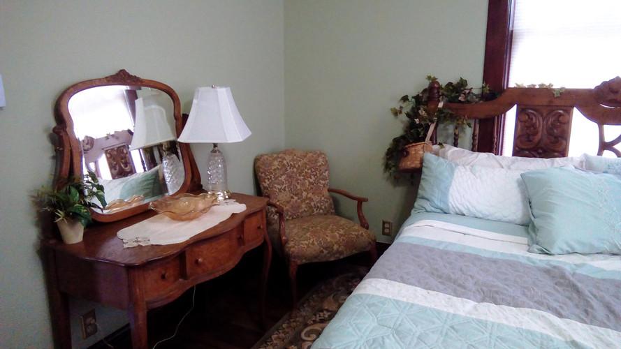 Ivy Room 4