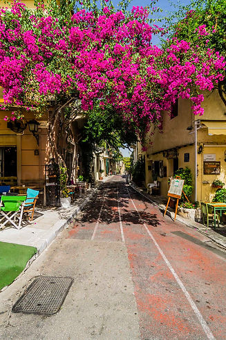 greece-athens-empty-pavement-cafe-in-plaka-district-THA001621.jpg