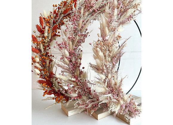 Flowerhoop met houten voet