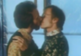 Silverlake - Mark & Tom kiss.png