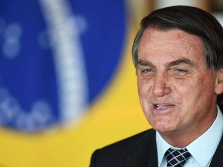 Bolsonaro anuncia la creación de un comité para combatir el covid