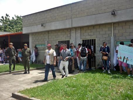 """PLANTÓN EN SOLIDARIDAD CON LOS INTERNOS DE LA CÁRCEL """"DOÑA JUANA"""""""